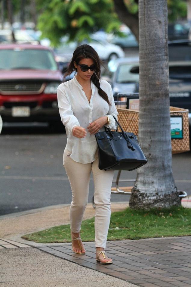 Kim-Kardashian-DV-Dolce-Vita-Archer-sandals-Dior-sunglasses-upscalehype1